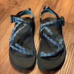 Shoes - Girls Chacos